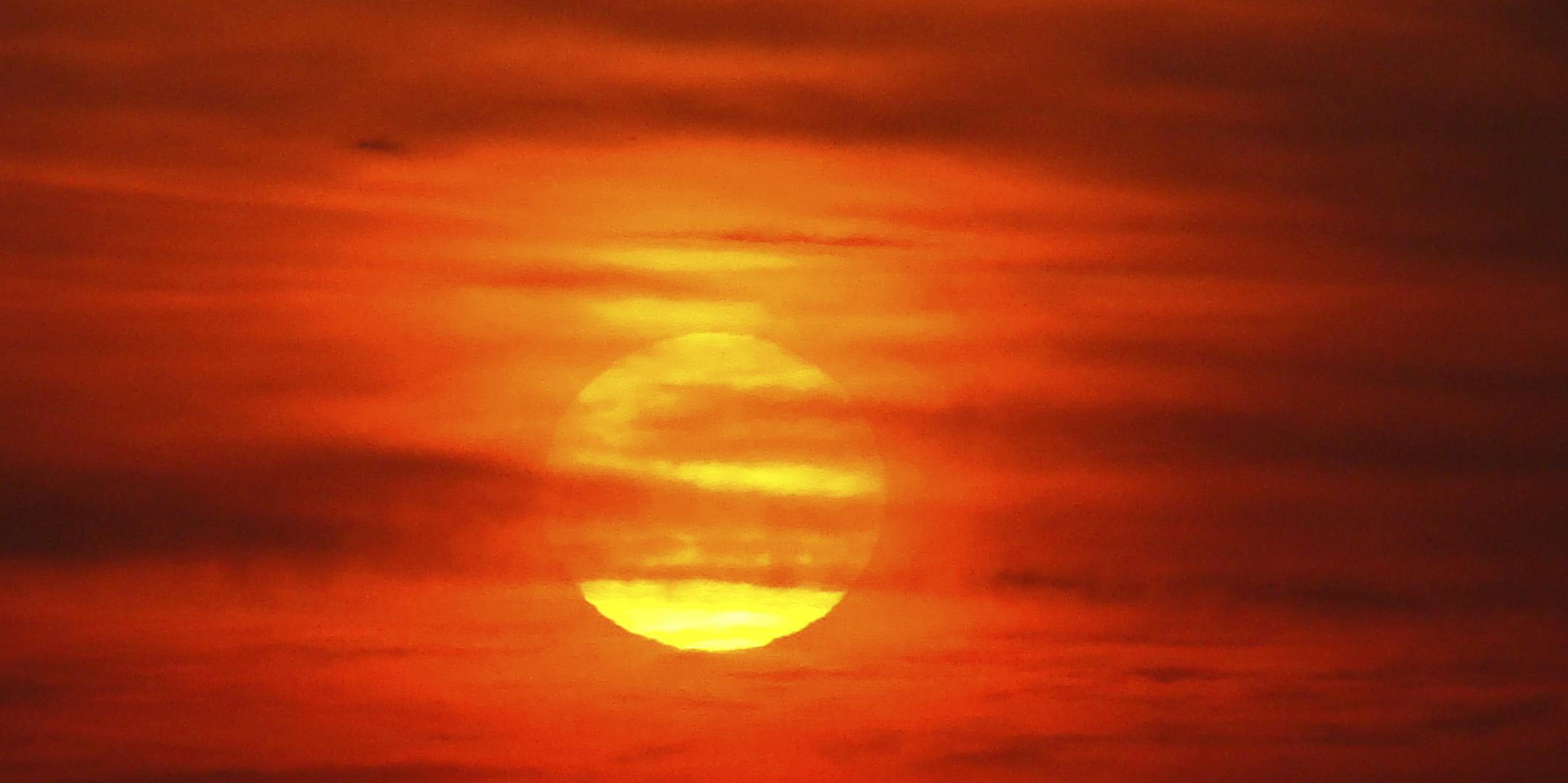 Glutrote Sonne