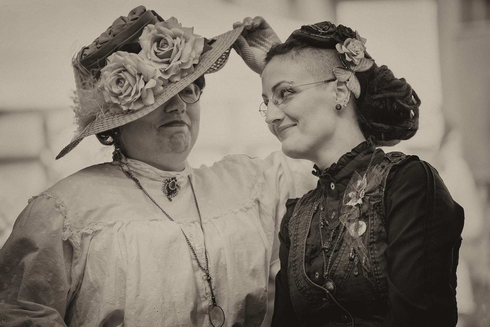 Gnä' Frau, der Hut ist hinreißend