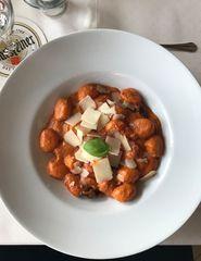 Gnocchi in Tomaten-Sahnesoße