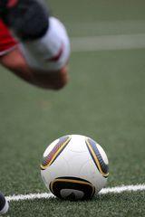 goal kick ...