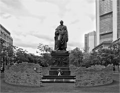Goethe (mittig)