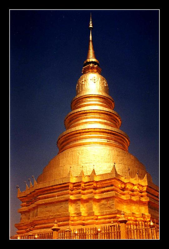 Gold & Blue - Kingpalace Bangkok
