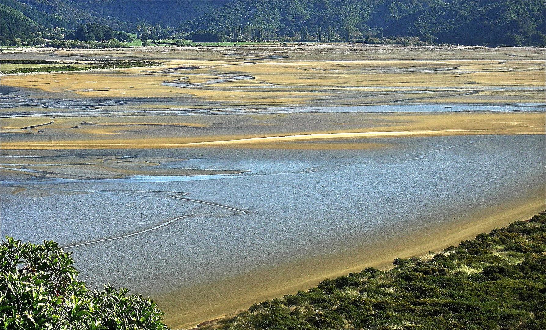 GOLDEN BAY - Abel Tasman NP