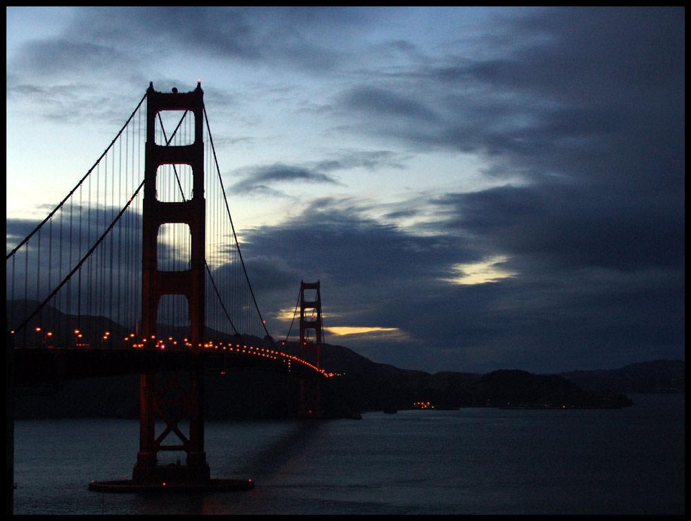 Golden Gate Bridge im Abendlicht