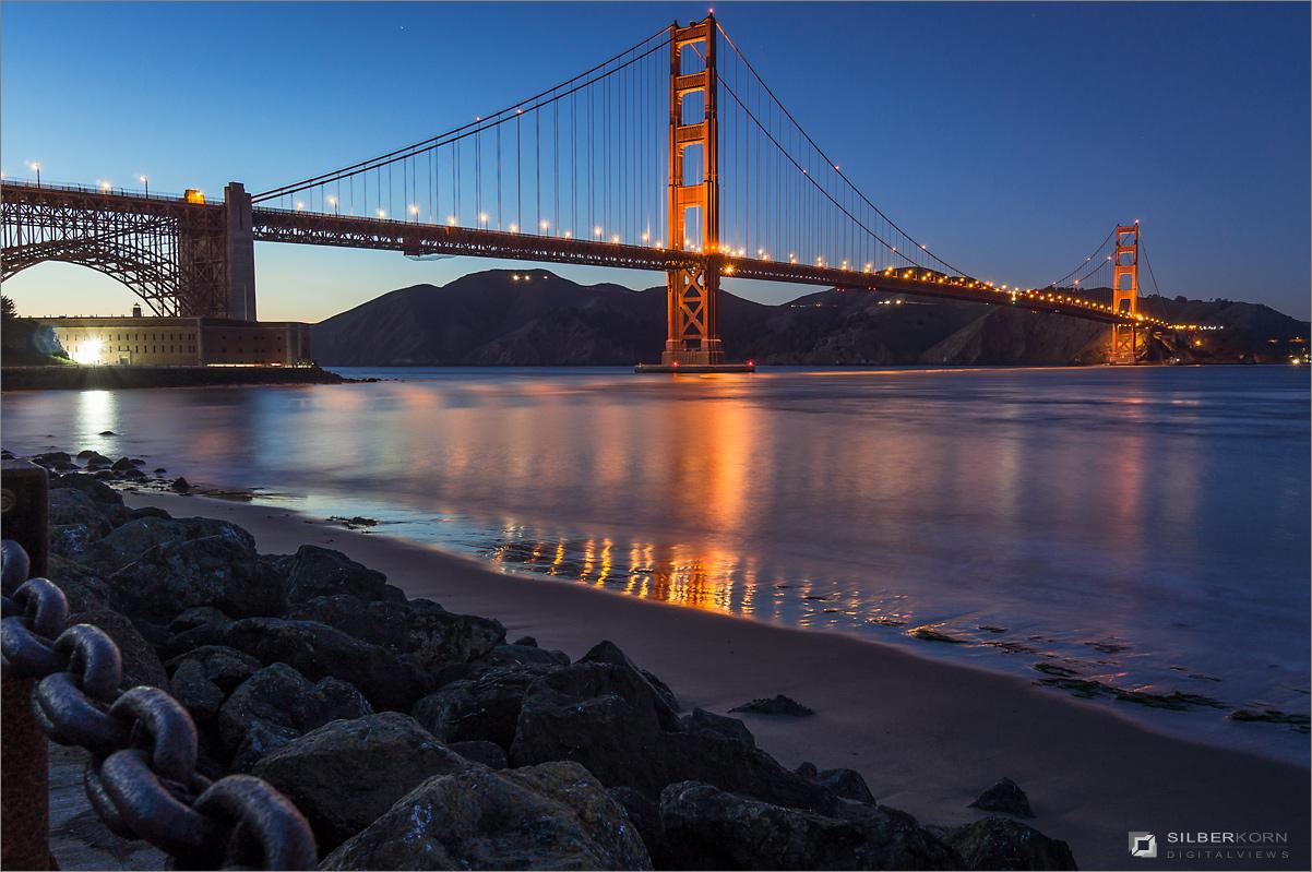 Golden Gate Bridge in der blauen Stunde