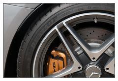 goldene AMG Bremse