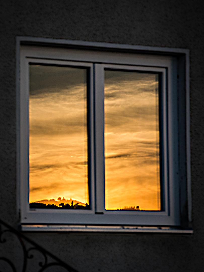 goldene Spiegelung