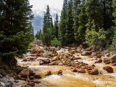 Goldener Fluss