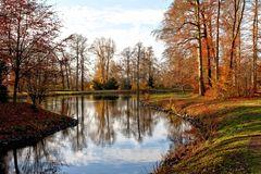 Goldener Herbst im Gothaer Park