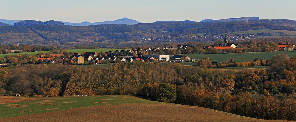Goldener Herbst und erstklassige Sicht über 4 Bildebenen...