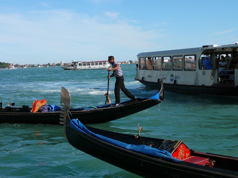 Gondoliere an der Riva degli Schiavoni Venezia