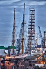 Gorch Fock im Dock