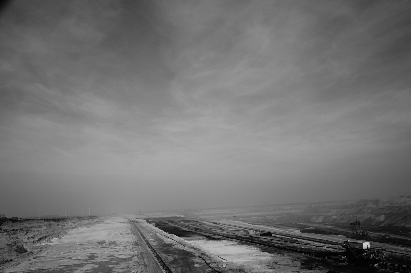 Gory & Sky (b/w)