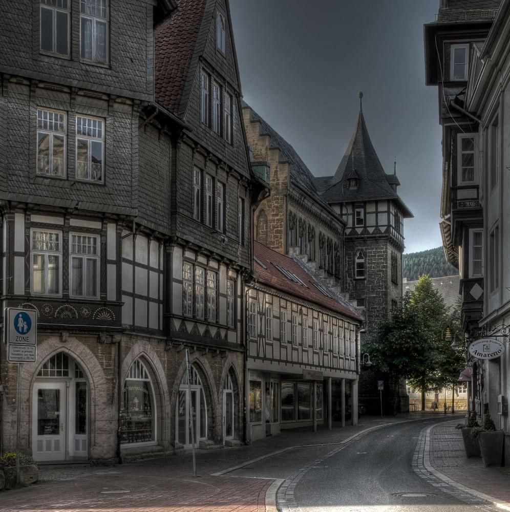 """Goslar-Altstadt-Mitte """" Fachwerkhäuser, und Blick auf die Realschule Hoherweg """""""