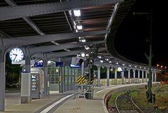 "GosLar - Bahnhof "" das kurze Signal im HBF """