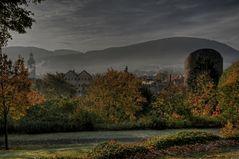 """GosLar """" GosLar im Herbst am Frühenmorgen, mit Blick auf dem Teufelsturm"""""""