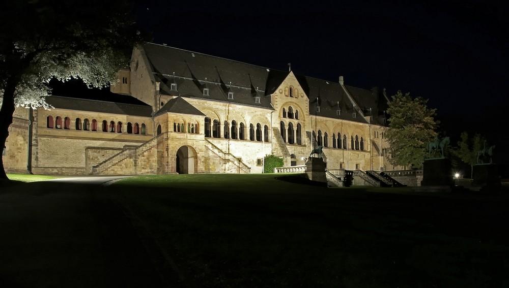 """Goslar - Ober-Stadt """" die Kaiserpfalz zu Goslar, bei Nacht """""""