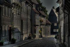 "Goslar-Ober-Stadt"" geschmückte Fassade der Stadt am Frühenmorgen """