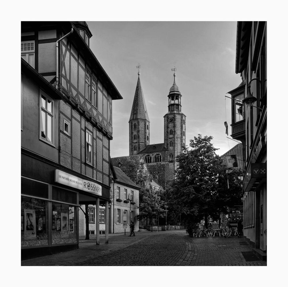 "GosLar - Stadt - Mitte "" entlang der Marktstrasse, am Abend """