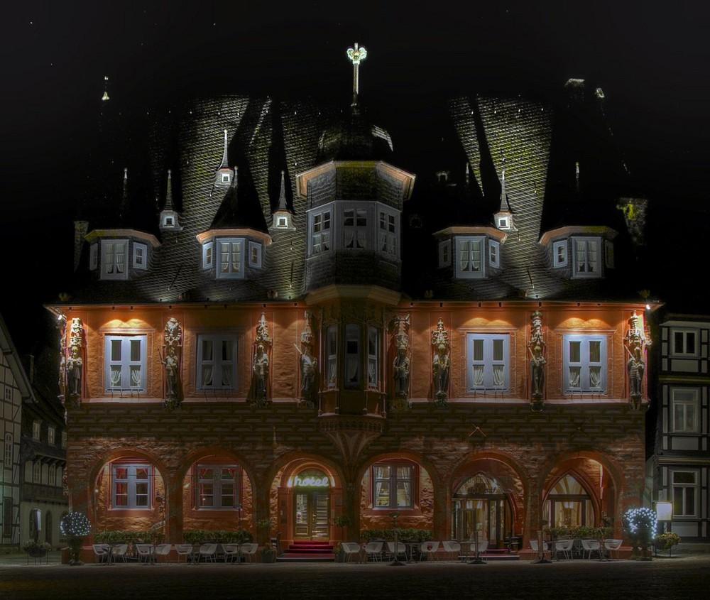 """Goslar-Stadt-Mitte """" Kaiserworth bei Nacht """""""