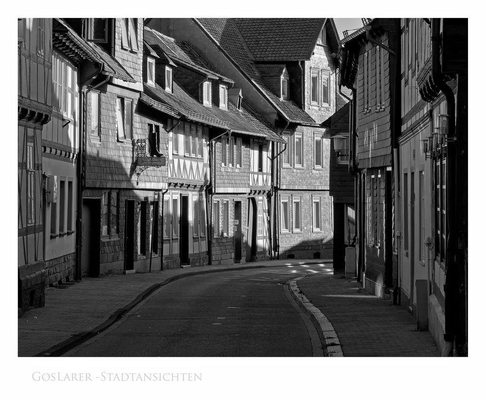 """GosLarsche Impressionen """" GosLarer Stadtansichten, entlang der  Kornstraße, am Frühenmorgen """""""
