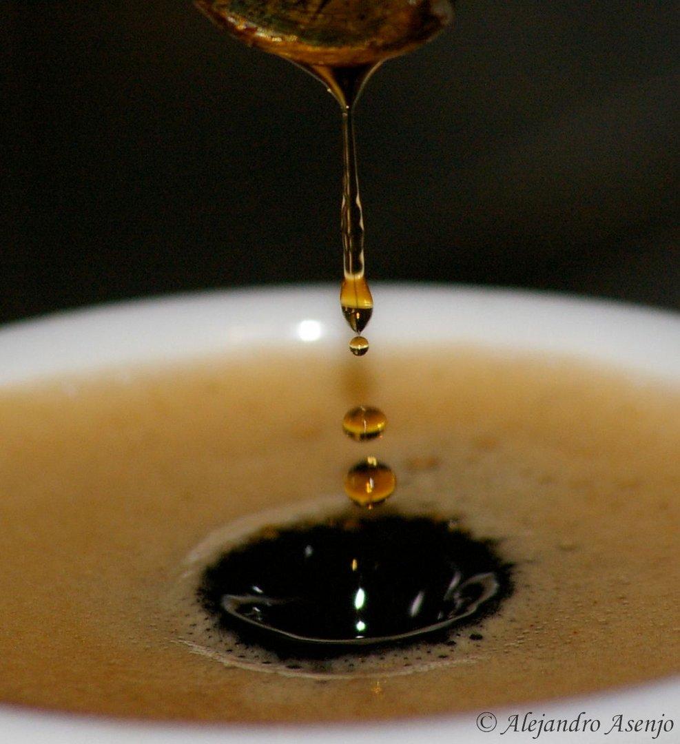 Gota de café 2 (proyecto gotas de agua)