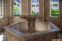 Gotische Brunnenhaus im Mosteiro de Alcobaca