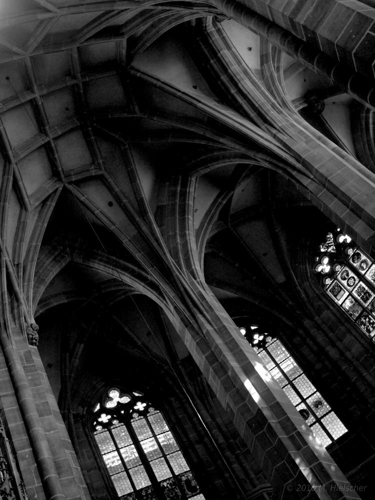 Gotische Kreuzrippenbögen von St. Lorenz