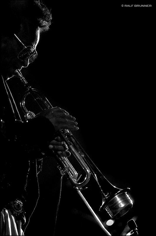 gott spielte trompete