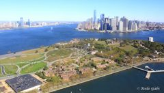 Governors Island in Richtung Downtown Manhattan