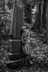 Grabmal auf Friedhof in Alt-Saarbrücken