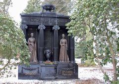 Grabmal der Nordheim-Schwestern