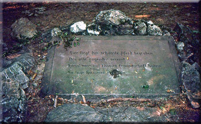 Grabmal für ein Pferd 1773