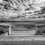 Grabtrichter - Mahnmal Buchenwald