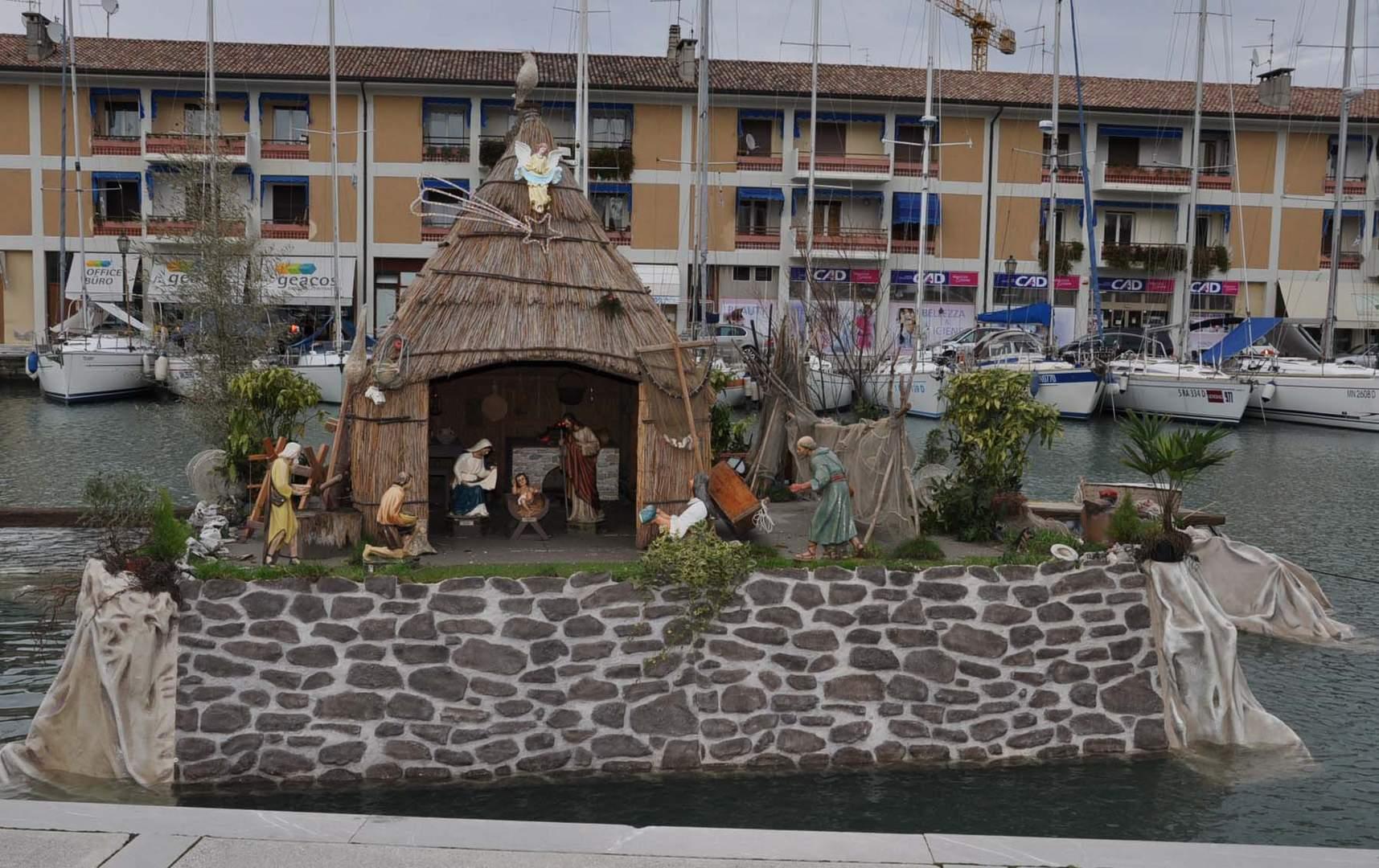 Grado - Presepe galleggiante nel porto