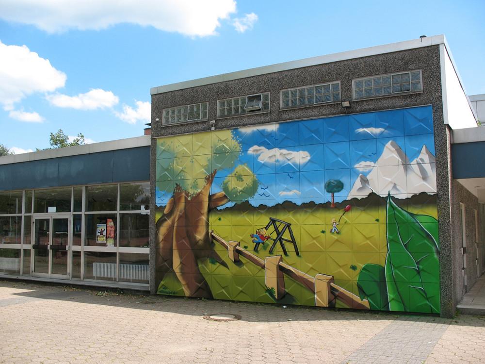 graffiti an schule in lüdenscheid