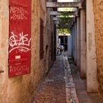 Graffiti en bois rouge