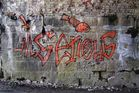 Graffiti in Bahnunterführung