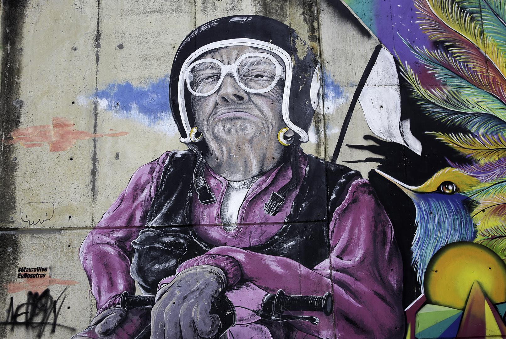 [ … Graffiti in der Comuna 13 - Medellin  ]