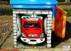 Graffiti vor der Feuerwache auf einem Stromkasten