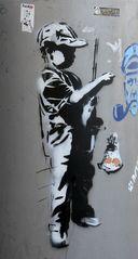 Graffy-Junge und Seebär