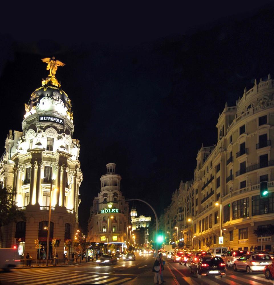 Gran Via by night