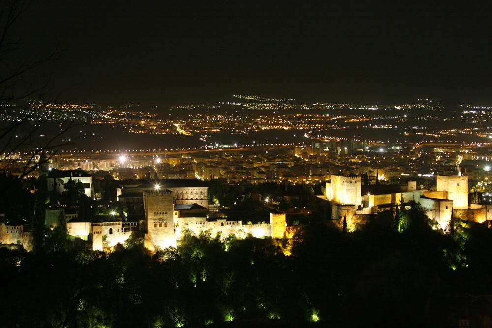 GRANADA bei Nacht
