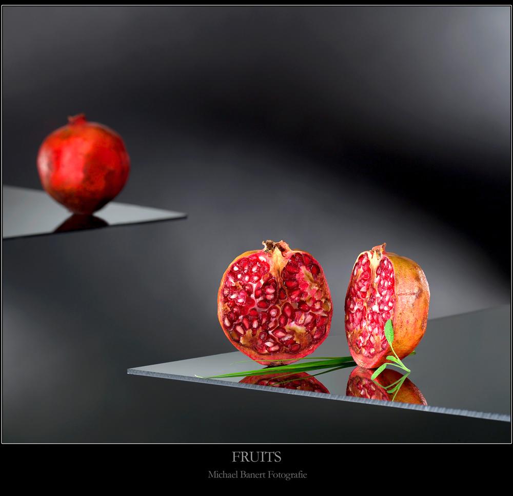 granatapfel foto bild stillleben essen trinken obst gem se bilder auf fotocommunity. Black Bedroom Furniture Sets. Home Design Ideas