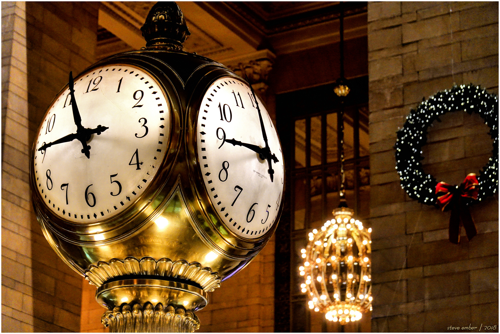 Grand Central Holiday Time