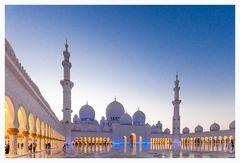 Grand Mosque zur blauen Stunde