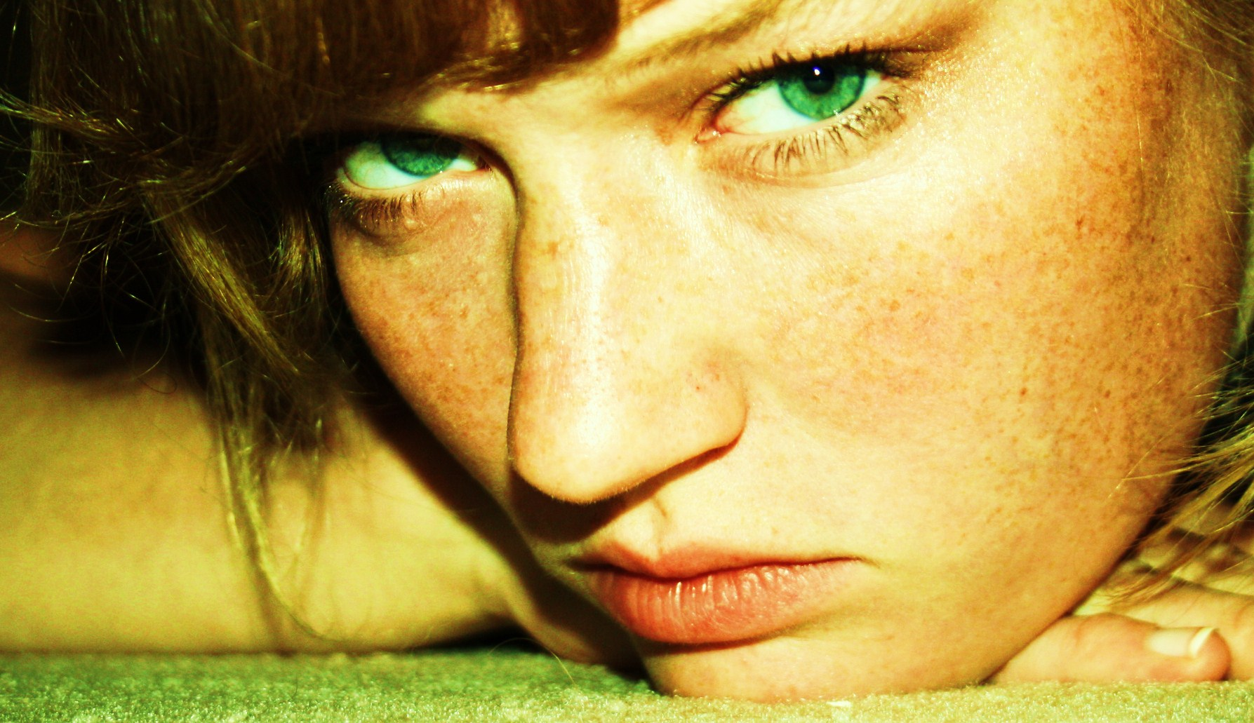Green, not blue Eyes ...