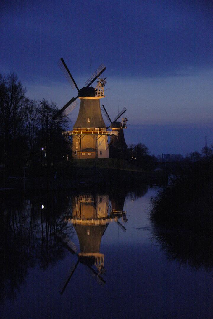 Greetsieler Mühle am frühen Morgen