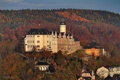 Greiz - Oberes Schloss im Herbst
