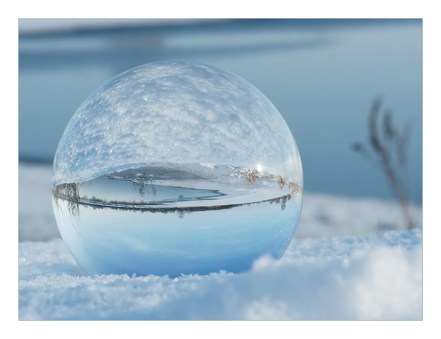 Grenzkugel :  Schnee-Wasser-Eis